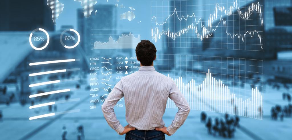 Analyste financier fait une revue sur les performances du marche