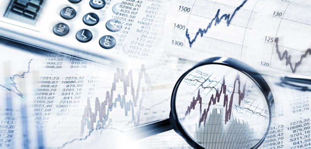 Financial market quotes with magnifier and calculator