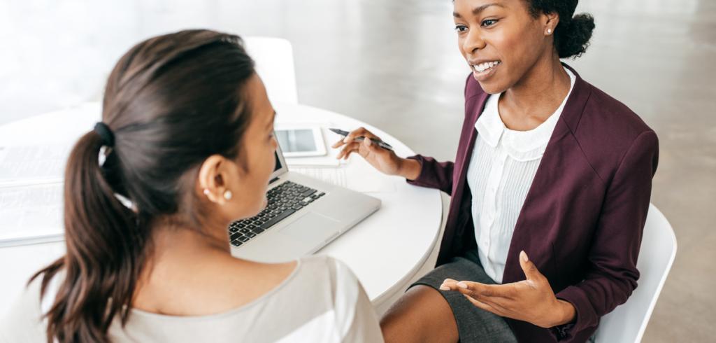 Deux amis parlent de prêt