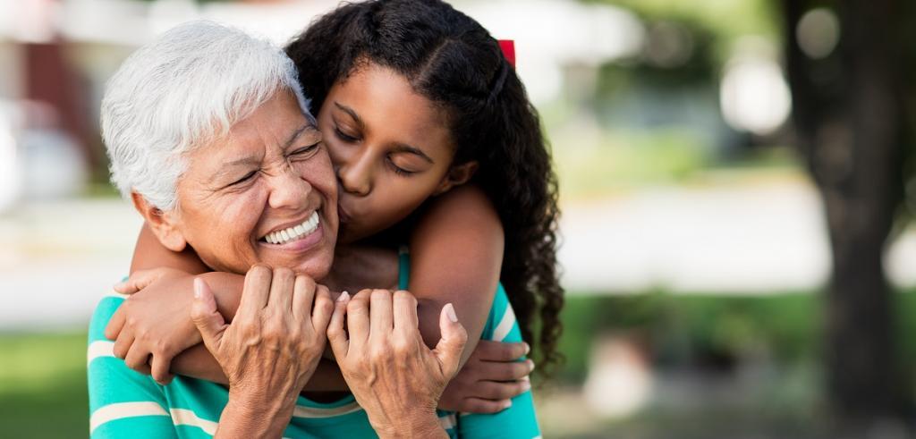Afro-américaine grand-mère et petite-fille