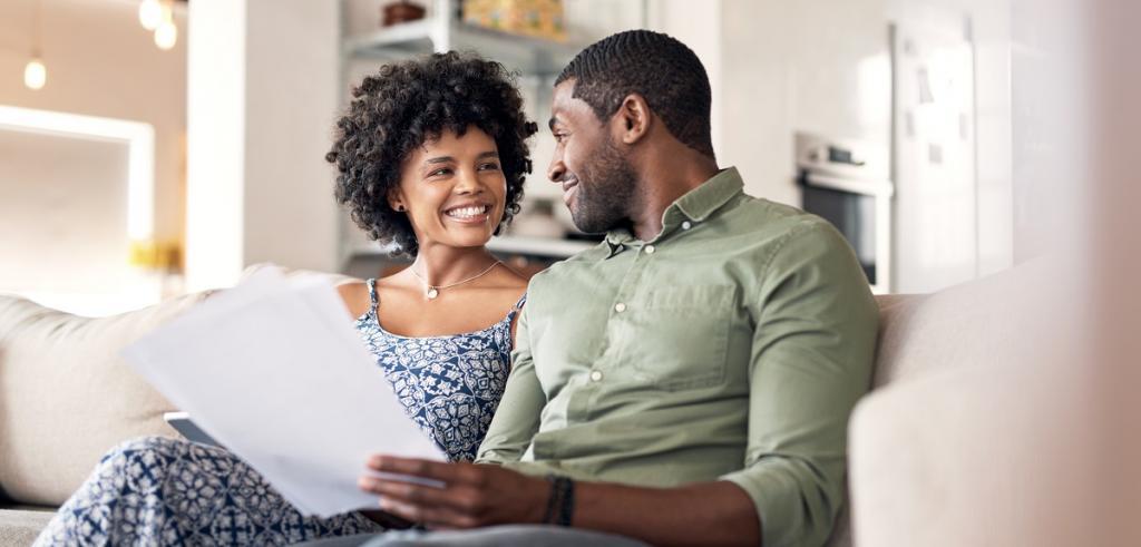 heureux couple afro-américain